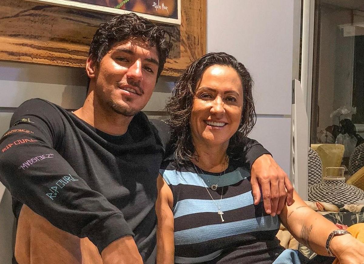 gabriel mae abre - Print mostra mãe de Gabriel Medina atacando Yasmin Brunet: 'Tenho vídeo dela fazendo chupeta'; confira