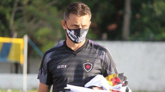 gerson gusmao 2 e1618958454588 678x381 1 - Gerson Gusmão dá crédito aos jogadores após falhas, e busca melhorias no setor ofensivo do Belo
