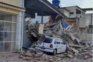 imagem 2021 10 24 121840 360x240 - Prédio de três andares desaba e deixa um morto e três feridos