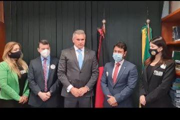 julian 1 360x240 - Julian Lemos recebe pleito de promotores e se manifesta contra PEC 5, conhecida como a PEC da Vingança contra o judiciário