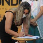 karla 150x150 - Karla Pimentel assina ordem de serviço para reforma de Centro de Reabilitação Física de Conde