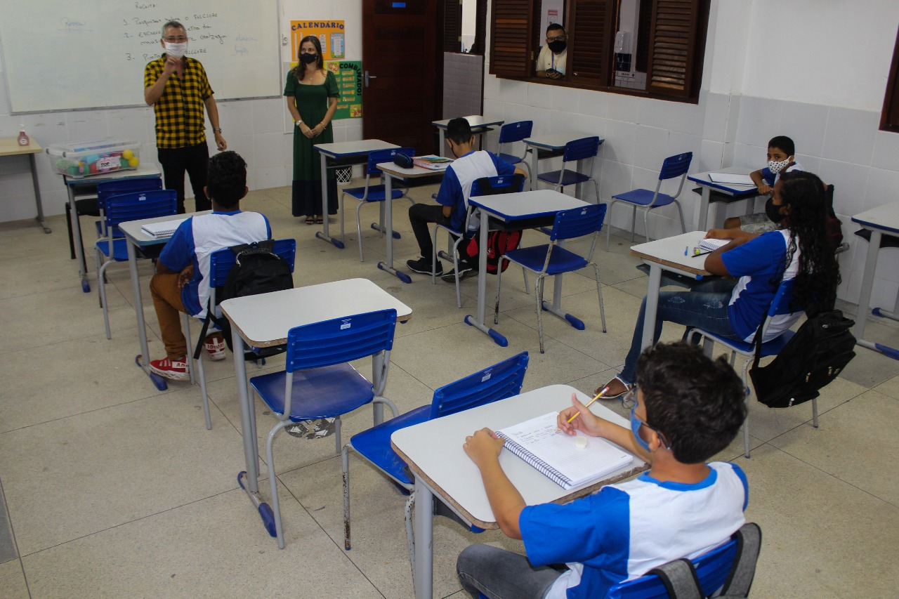retorno aulas fundamental II 4 - Alunos do Fundamental II retornam às aulas presenciais na rede municipal de ensino de Cabedelo