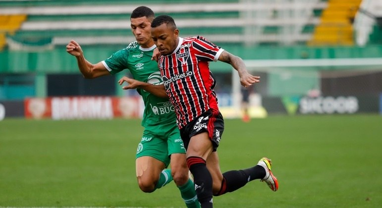 wellington sao paulo chapecoense 03102021174242137 - São Paulo vacila, leva empate da Chapecoense e segue sem embalar